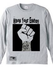 タトゥー 拳を突き上げる メッセージ know your enemy 長袖 Tシ